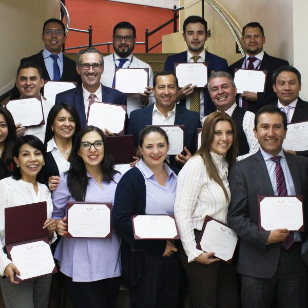 EJECUTIVOS DE SEGUROS DEL PICHINCHA SE CERTIFICAN EN MARKETING DIGITAL